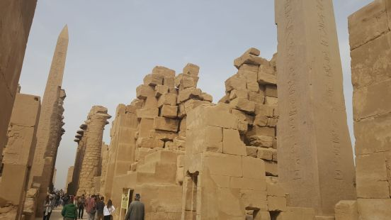 obeliskler